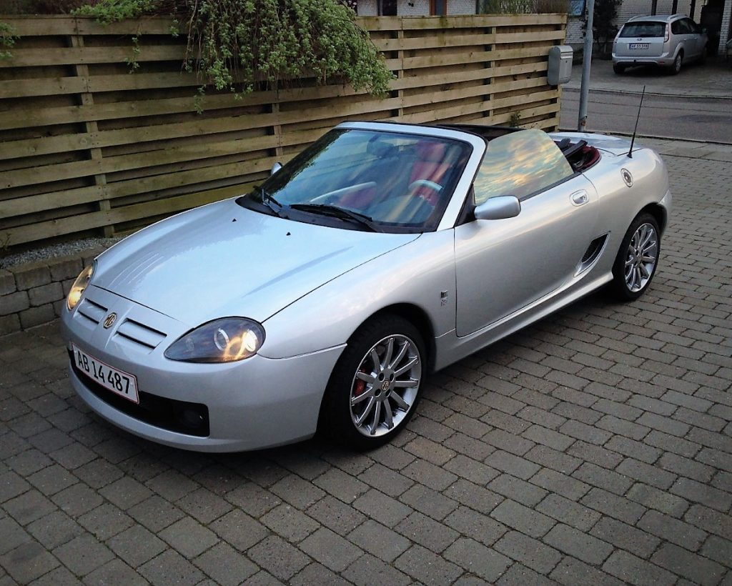 2004 MG TF 135 Jubilæums model